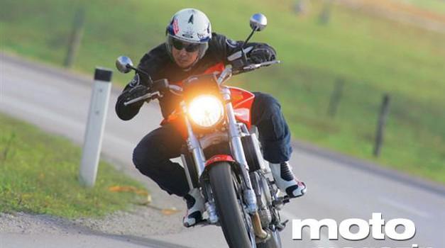 Moto Morini 9 1/2: Zrcalni odsev