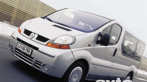 Renault Trafic Passenger 2.5 dCi Privilege