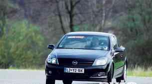 Opel Astra GTC 2.0 Turbo Sport
