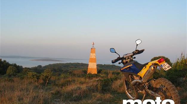 Med Kamenjakom in Kranjem ni le avtocesta (foto: Matevž Hribar)