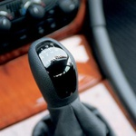 Tudi pri Mercedesu sledijo najnovejši modi: menjalnik ima šest prestav. (foto: Uroš Potočnik)