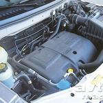 Turbodizelski motor je vsekakor pametnejša odločitev, če se boste s Freelanderjem odpravljali tudi izven asfaltiranih poti.