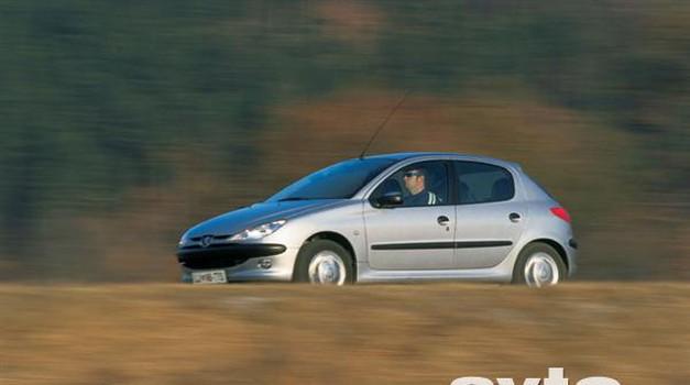 Peugeot 206 XT 1,6 (foto: Uroš Potočnik)