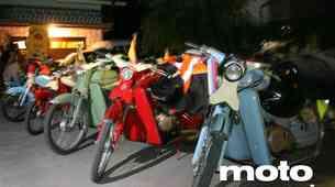 Z mopedi po svet'