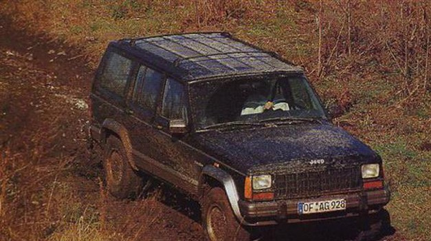 Jeep Cherokee 2.5 TD Country