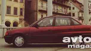 Opel Astra 1.8i notchback CD