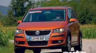 Volkswagen Cross Touran 1.4 TSI (103 kW)