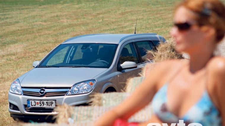 Opel Astra Caravan 1.7 CDTI (92 kW) Cosmo (foto: Matej Memedovič, Saša Kapetanovič)