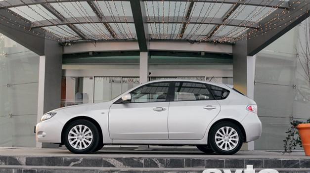 (Novi) Subaru Impreza 2.0 R (foto: Vinko Kernc)