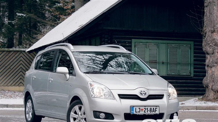 Toyota Corolla Verso 2.2 D-4D (100kW) Sol Plus