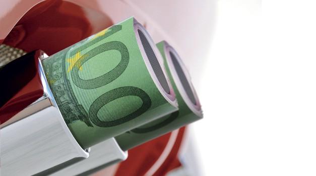 Avtomobili bodo z novim davkom cenejši! (foto: Aleš Pavletič, Shutterstock)