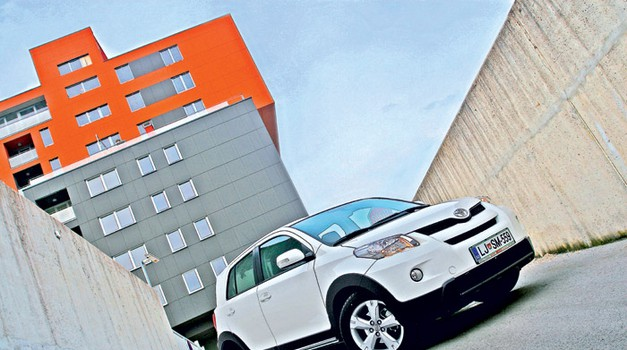 Toyota Urban Cruiser 1.4 D-4D AWD Limited (foto: Aleš Pavletič)