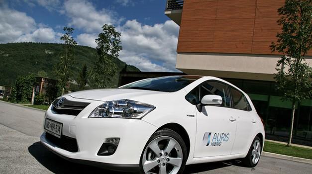 Novo v Sloveniji: Toyota Auris HSD (foto: Vinko Kernc)