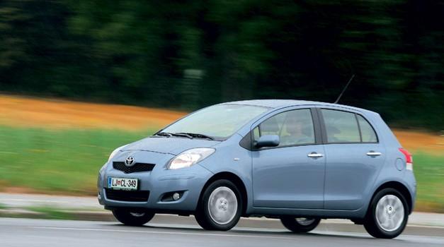 Toyota Yaris 1.33 Dual VVT-i (74 kW) Luna (5 vrat) (foto: Aleš Pavletič)