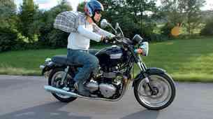Triumph Bonneville SE T100