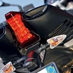 Motocikel ima polno lepih oblikovnih detajlov.