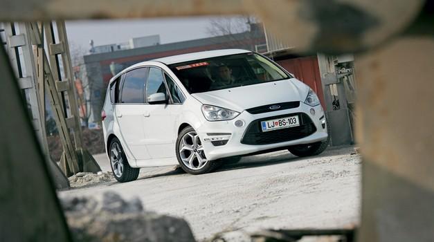 Kratek test: Ford S-Max 2.0 EcoBoost (149 kW) Titanium S (foto: Aleš Pavletič)