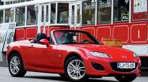 Kratek test: Mazda MX-5 1.8i Roadster Coupe Challenge