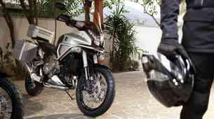 Honda Crosstourer (foto in video)