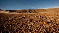 Dakar 2012, 8. etapa: Despres obtičal v blatu, organizator ukrepal (video)