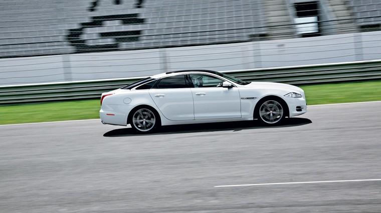 Vozili smo: Jaguar XKR-S in XJ Supersport (foto: Vinko Kernc)