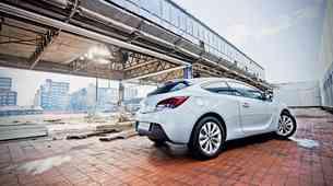 Kratek test: Opel Astra GTC 2.0 CDTI (121 kW) Sport