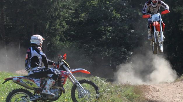 Športni park JernejLes: Motokros in crosscountry steza v Žireh (foto: Saša kapetanovič)