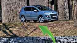Kratek test: Peugeot 3008 Hybrid4