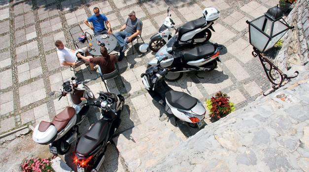 Test: Aprilia Atlantic, Honda SH, Piaggio Beverly in X7 Evo, Yamaha X-Max (foto: Matevž Hribar, Grega Gulin)