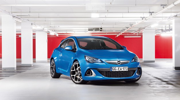 Vozili smo: Opel Astra OPC (foto: tovarna)