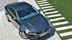 Kratek test: Volvo S60 D2 DRIVe Momentum