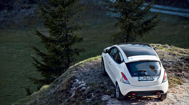 Test: Lancia Ypsilon 5V 1.3 Multijet 16V Platinum (foto: Saša Kapetanovič)