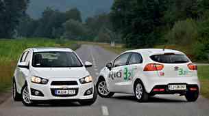 Vzporedni test: Chevrolet Aveo 1.3D (70 kW) LTZ in KIA Rio 1.1 CRDi Urban (5 vrat)