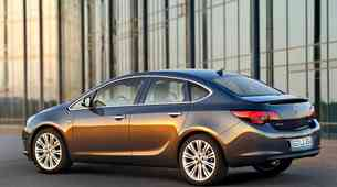 Vozili smo: Opel Astra 4V
