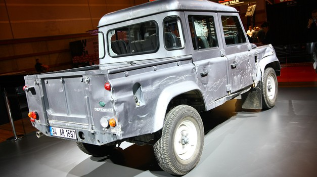 Avtomobilski salon Pariz: Land Rover Defender