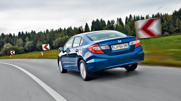 Test: Honda Civic 1.8i ES (4 vrata) (foto: Saša Kapetanovič)
