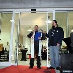 Foto: Na otvoritvi trgovine Alpinestars v BTC-ju pela harmonika (foto: Matevž Hribar)
