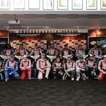 Skupinska fotografija voznikov prve letošnje dirke, ki bo štela za VN Nove Zelandije.   (foto: Borut Cvetko)
