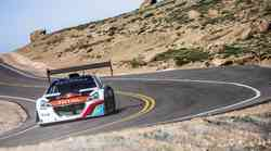 Pikes Peak: zanesljiva zmaga Loeba