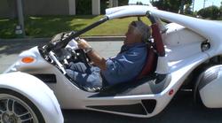 Jay Leno dopolnil svoj vozni park s trikolesno Campagno T-Rex 16S