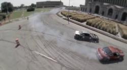 Nora dirka v driftanju okoli znamenite železniške postaje v Detroitu