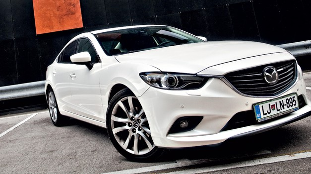 Kratki test: Mazda6 Sedan 2.5i AT Revolution SD