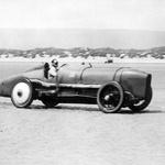 Sir Malcom Campbell med rekordnim pokusom na Pendine Sands leta 1925. (foto: Beaulie National Motor Museum)