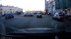 Vrhunsko parkiranje, kot si ga lahko privoščijo le v Rusiji