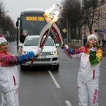 Prenos olimpijskega ognja v spremstvu VW vozil (foto: Volkswagen Rus)