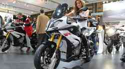 EICMA: BMW S1000XR in F 800 R