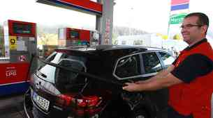 SIGAS vam predela avto na plin