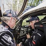 Sainz in Peterhansel nista bila najbolj zadovoljna. (foto: Red Bull Content Pool)