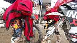 Dakar 2015,Dakar 2015, 7. etapa: Stanovnik svoja kolesa zamenjal s Como.