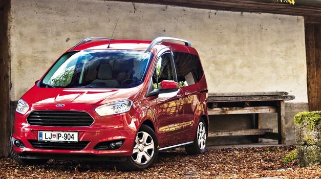 Kratki test: Ford Tourneo Courier 1.0 Ecoboost (74 kW) Titanium (foto: Saša Kapetanovič)